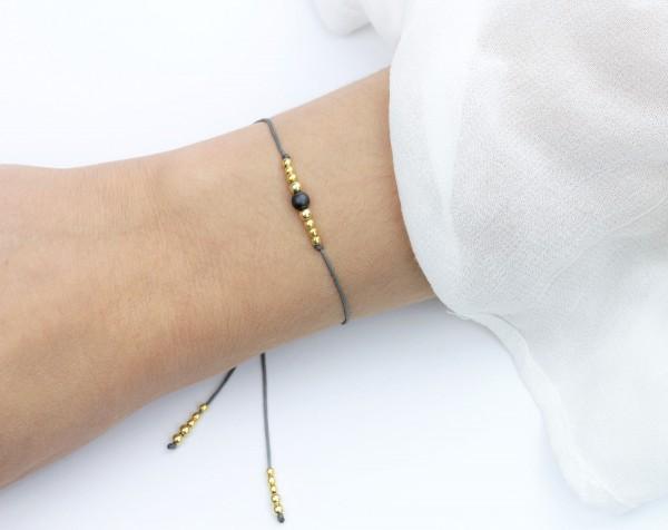 Textilarmband in Grau-Gold 925 Silber vergoldet Hämatitperle