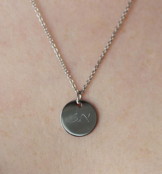 Kette und runder Anhäger mit personalisierter Gravur 925 Silber 50 cm | Plättchen Gravurplatte